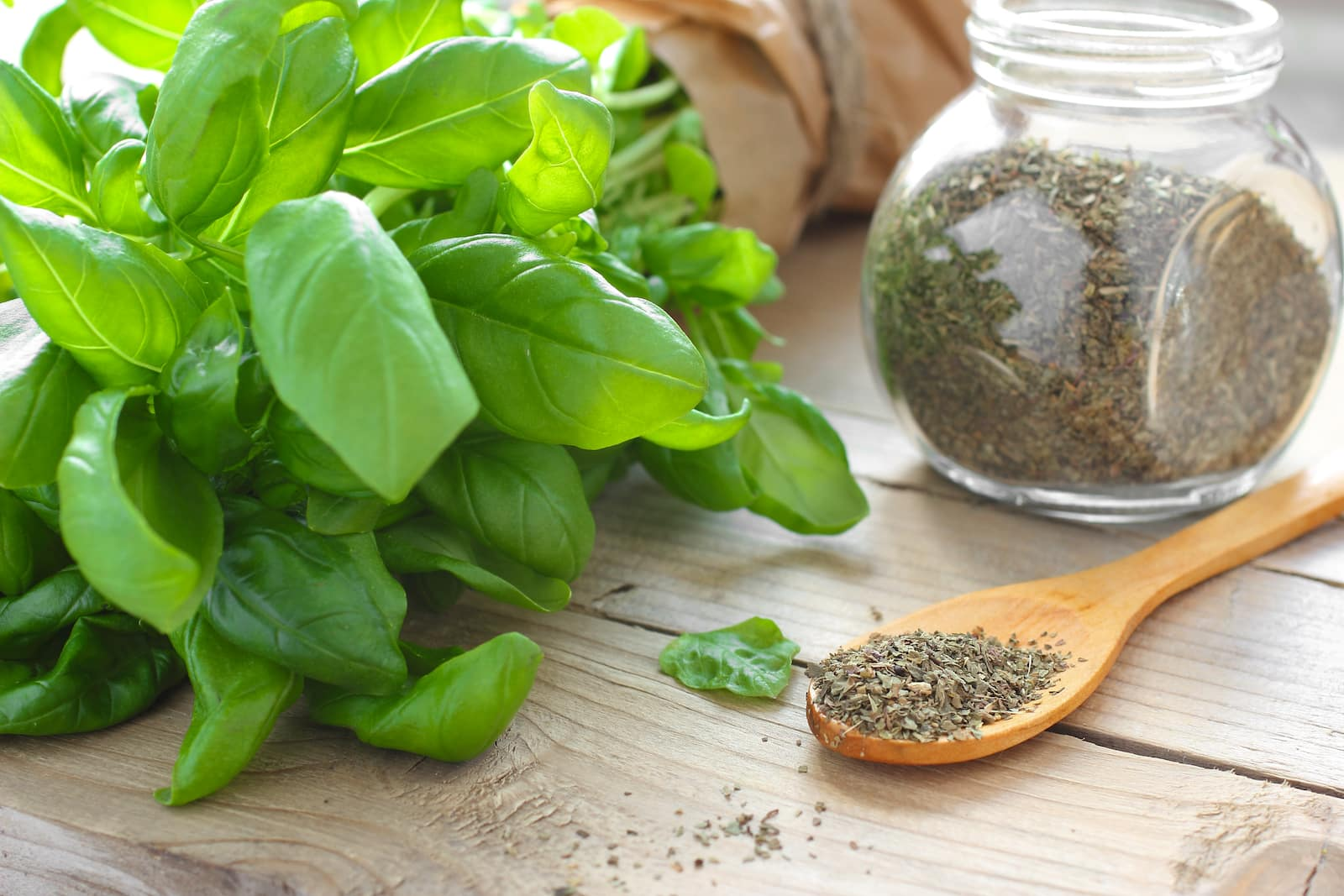 What The Conversion of 1/2 Cup Fresh Basil to Dried