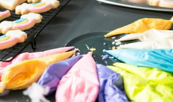 How to make gray With food coloring